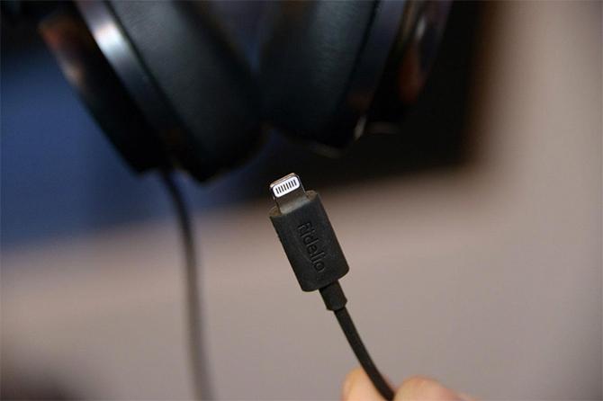 Philips NC1L подключаются через Apple Lightning