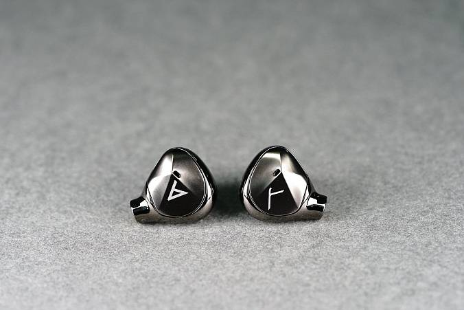 Наушники Astell&Kern AKT9iE - рис.1