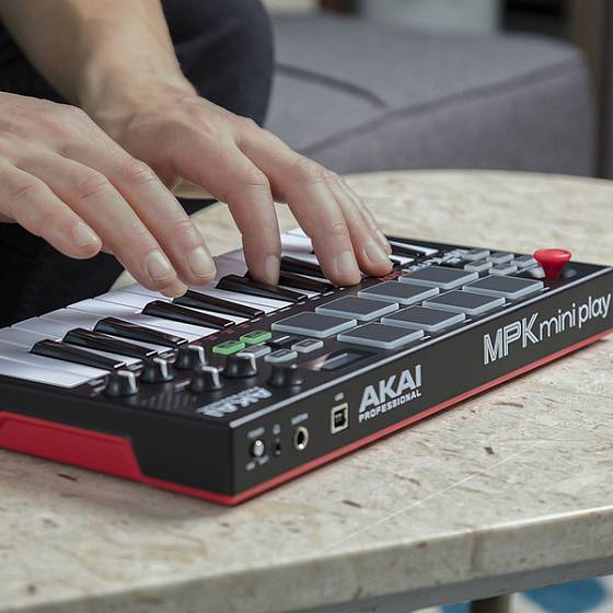 MIDI-клавиатура AKAI PRO MPK MINI PLAY USB - рис.6