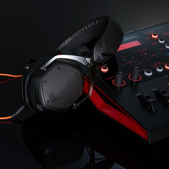 Беспроводные наушники V-Moda Crossfade 2 Wireless Codex Edition Matte Black - рис.7
