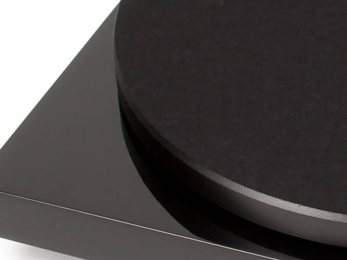 Виниловый проигрыватель Pro-Ject Debut Carbon Phono USB OM-10 Piano Black - рис.4